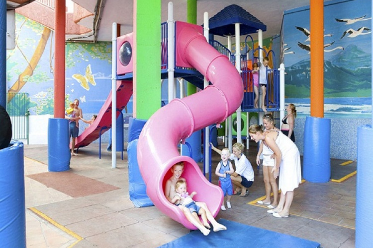 checkin-bungalows-atlantida_53375_children.jpg