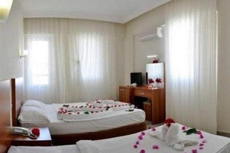 solis-beach-hotel_67047_getimagewwashx.jpg